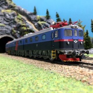 Locomotive Dm3 Ep V SJ-HO 1/87-ROCO 72647