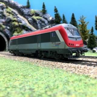 Locomotive BB 36016 Rouge ép V SNCF-HO 1/87-JOUEF HJ2365