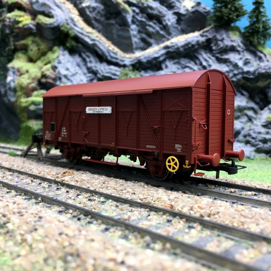 """Wagon Couvert """"Bagages Express"""" EpIV SNCF-HO 1/87-JOUEF HJ6164"""