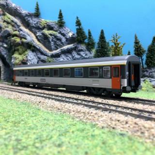 Voiture Corail VSE SNCF Ep IV-HO 1/87-LSMODELS 40367