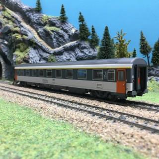 Voiture Corail VSE SNCF Ep IV-HO 1/87-LSMODELS 40373