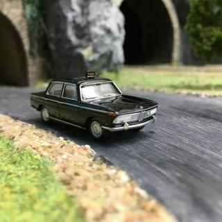 "BMW 2000 ""Taxi"" Noire-HO 1/87-BREKINA 24417"