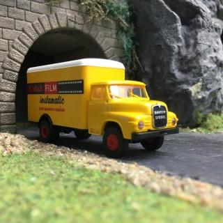 """Camion SAVIEM """"Kodak""""-HO 1/87-BREKINA 45044"""