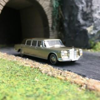 """Mercedes 600 """"Limousine""""-HO 1/87-BREKINA 13008"""