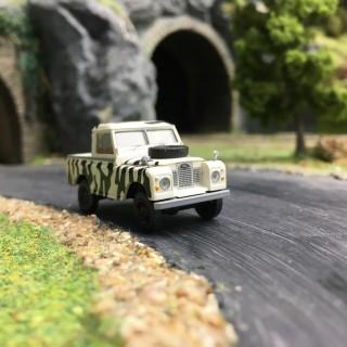 """Land Rover '88 """"Zêbre""""-HO 1/87-BREKINA 13861"""
