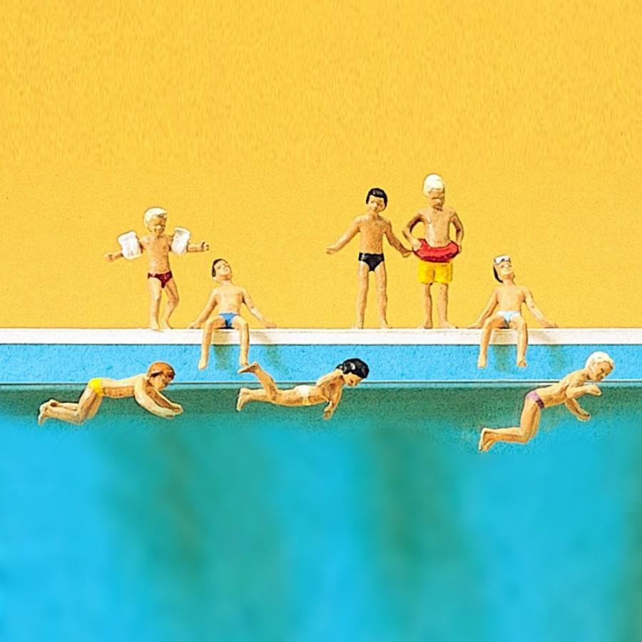 h0 Preiser 10307 enfants en piscine