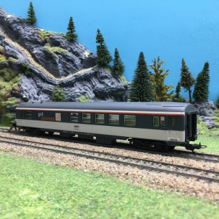 Voiture Corail Gril Express SNCF-HO 1/87-LIMA OC1294