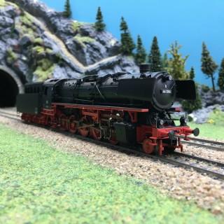 Locomotive BR44 DB Ep III digital son 3R-HO 1/87-MARKLIN 39880