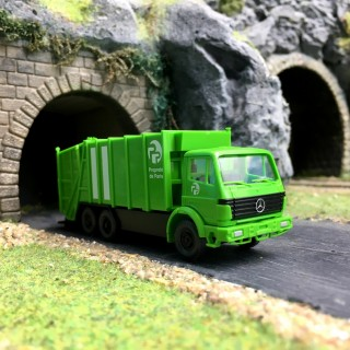 """Camion poubelles (eboueurs) Mercedes """"Paris""""-HO 1/87-WiKING DEP17-159"""