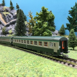 2 Voitures B10 UIC Ep V SNCF-N 1/160-REE NW144