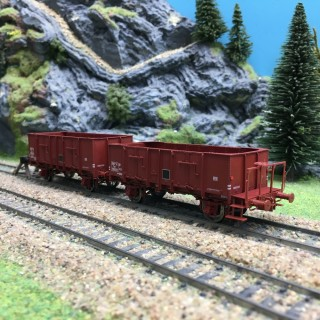 2 tombereaux Ocem 29 brun rouge Sncf ép III -HO 1/87- REE WB479