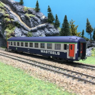 Voiture UIC Couchette SNCF Ep V B9C9 WASTEELS-HO 1/87- REE VB220