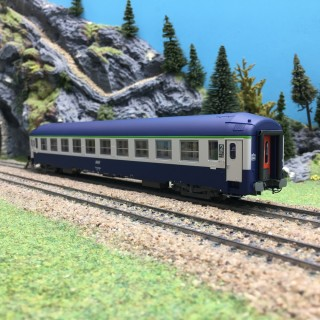 Voiture UIC Couchette SNCF Ep IV B9/C9-HO 1/87-REE VB217