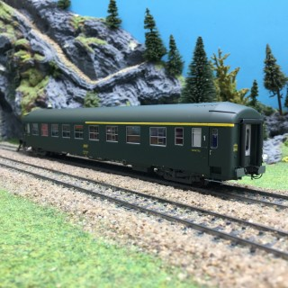Voiture UIC Couchette SNCF Ep IV A4/4B5-HO 1/87-REE VB226