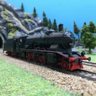 Locomotive BR18 102 DB Ep III digital son 3R-HO 1/87-MARKLIN 37119