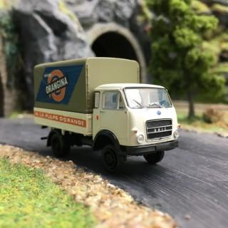 "Camion OM Unic PP ""Orangina""-HO 1/87-BREKINA 34628"