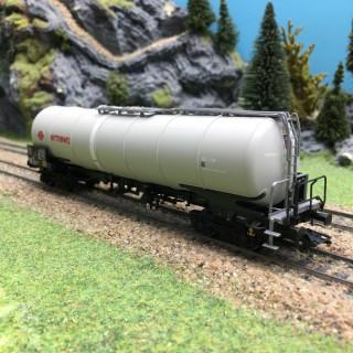 Wagon citerne Zang 95m3 Ermewa SA Ep V-HO 1/87-TRIX 24215