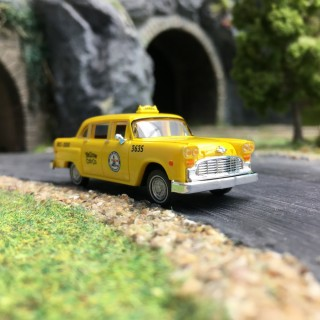Taxi Checker Cab (Yellow Cab) Chicago-HO 1/87-DRUMMER 58923