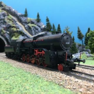 Locomotive Classe 42 2513 ÖBB Ep III digital son 3R-HO 1/87-MARKLIN 39045