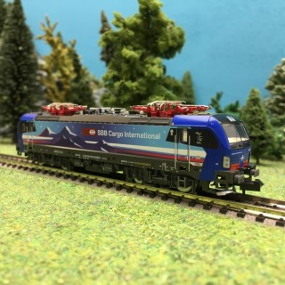 Locomotive Vectron Hupac SBB Cargo Ep VI-N 1/160-HOBBYTRAIN H2999