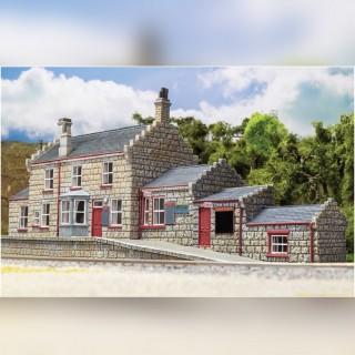 """Hall de réservation du quai de """"Pré au lard"""" Harry Potter-HO 1/87-HORNBY R7232"""