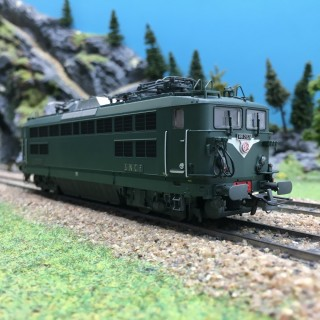 Locomotive BB25526 Montrouge SNCF Ep III-HO 1/87-R37 41042