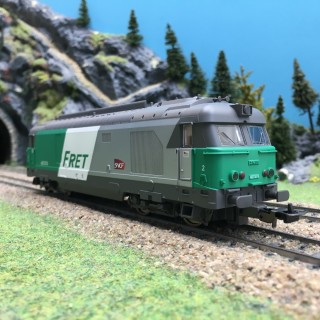 Locomotive BB467474 FRET SNCF Ep V-HO-1/87-PIKO 96146