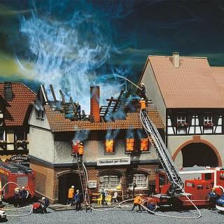 Auberge en feu-HO 1/87-FALLER 130429