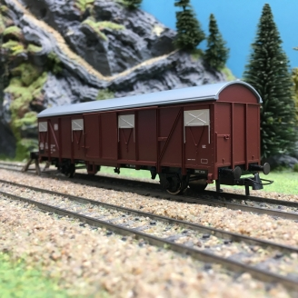 Wagon couvert DB Ep III-HO 1/87-ROCO 76674