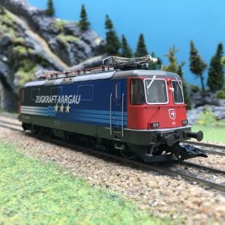 Locomotive Re 4/4 II 11181 CFF Ep V digital son 3R-HO 1/87-MARKLIN 37306