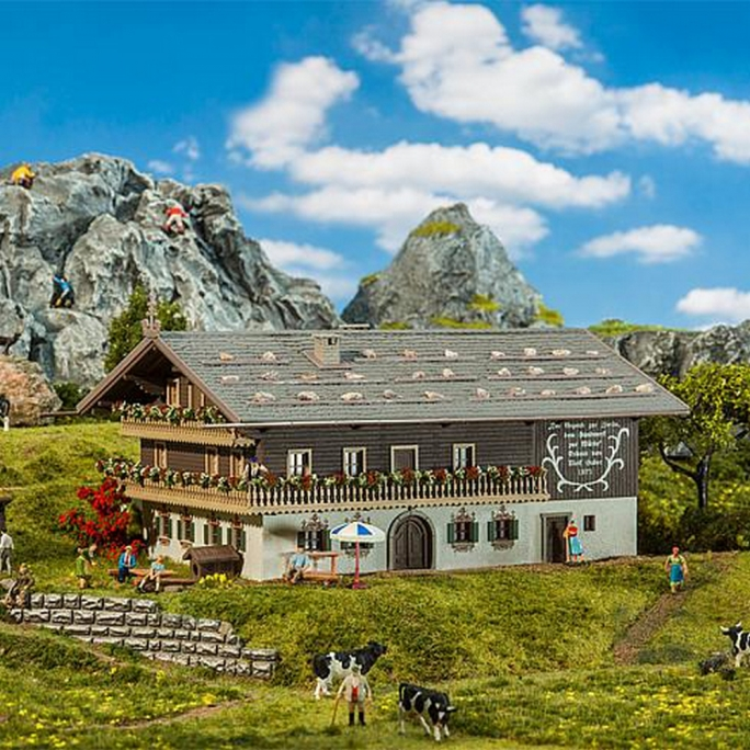 Grande ferme-chalet de montagne-HO 1/87-FALLER 130553
