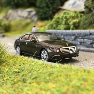 Mercedes Classe E (W213) Exclusive 2017-HO 1/87-WIKING 022703