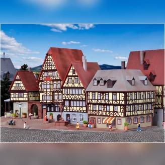 Place de marché avec Maisons-N-1/160-KIBRI