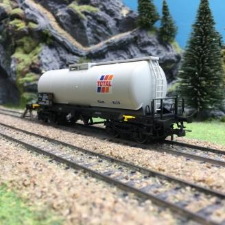 Wagon citerne TOTAL Ep IV SNCF-HO 1/87-JOUEF HJ6179
