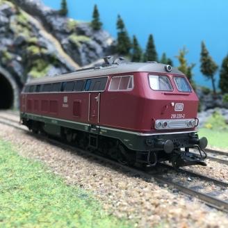 Locomotive BR 218 220-2 Ep IV DB digitale sonore 3R-HO 1/87-MARKLIN 37765