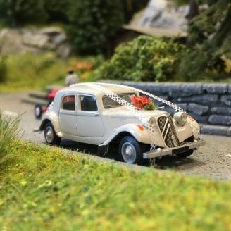 Citroën Traction 11B 1952 voiture des mariés-HO 1/87-SAI 6116