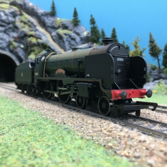 Locomotive BR (Early) V Schools Class 4-4-0 30935 Ep IV-00 1/76-HORNBY R3586