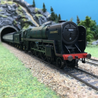 Train BR 7 Britannia 4-6-2 70013 + 3 voitures-00 1/76-HORNBY R3607