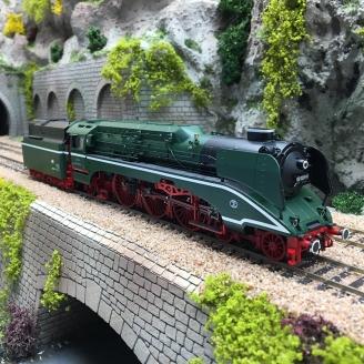 Locomotive BR 02 0201-0 DR,  Ep IV digital son -HO 1/87- ROCO 70202