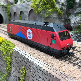 Locomotive série 460 058-1 Cirque Knie SBB Ep VI digital son-HO 1/87-ROCO 70657