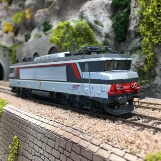 Locomotive BB22387 Corail Casquette Rennes SNCF Ep V-HO 1/87-LSMODELS 11053