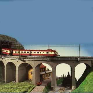 Viaduc courbe à arc maçonné 1 voie-HO-1/87-KIBRI 39725
