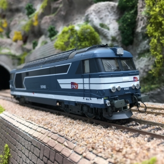 Locomotive BB67493 Marseille SNCF Ep V - HO 1/87- REE MB100