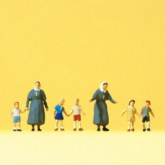2 Bonnes Soeurs / Religieuses et 5 enfants - N 1/160 - PREISER 79211