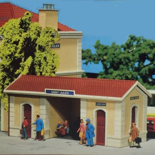 Station annexe toilette Gare ST. Julien-HO-1/87-FALLER 1110