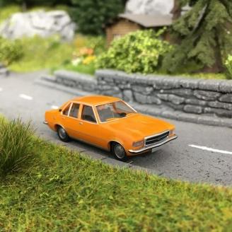 Opel Manta A - HO 1/87 - WIKING 82711