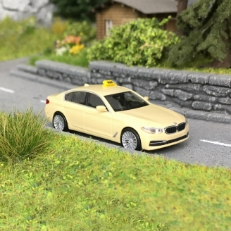 BMW Série 5 Taxi Beige-HO 1/87-HERPA 95259
