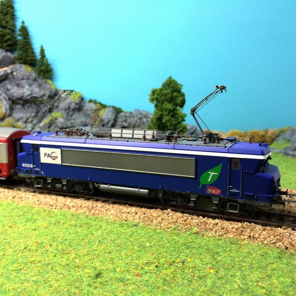 Locomotive électrique LS Modèles - BB822218 - HO 1/87