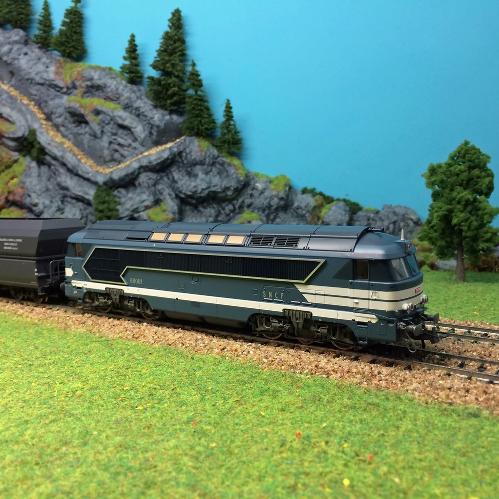 Locomotive diesel Roco - A1A CC68081 ep V - HO 1/87