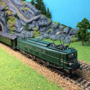 Locomotive électrique 2D2 9107 HO-1/87 Roco